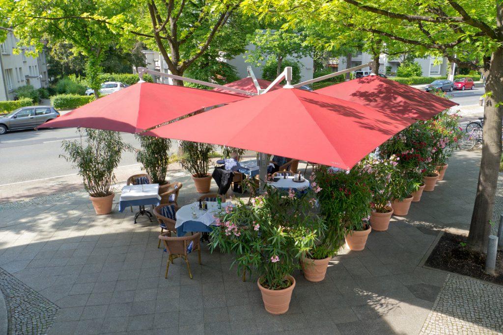 Amalfi Quadro Rot Quadratisch Restaurant Capriccio Berlin 011 1024x683