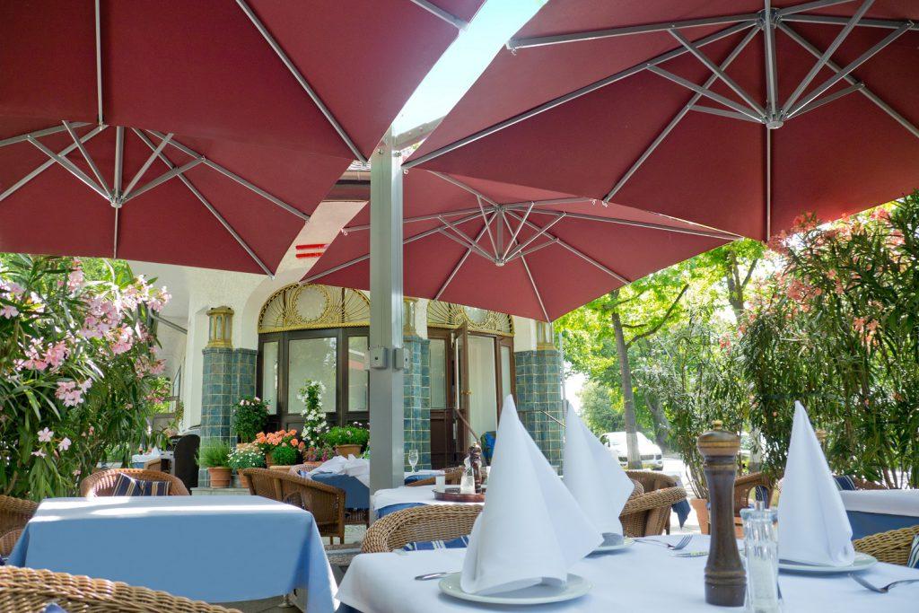 Amalfi Quadro Rot Quadratisch Restaurant Capriccio Berlin 022 1024x683