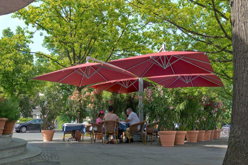 Amalfi Quadro Rot Quadratisch Restaurant Capriccio Berlin 033 1024x683