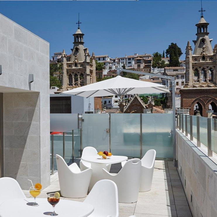 Amalfi Sonnenschirm Seitenmastschirm Caravita Weiss Quadratisch Five Senses Granada Spanien 02