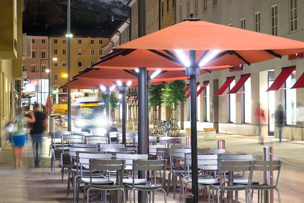 Big Ben Licht Sonnenschirm Caravita Rot Rechteckig Sternbraeu Salzburg Oesterreich 01 1024x683