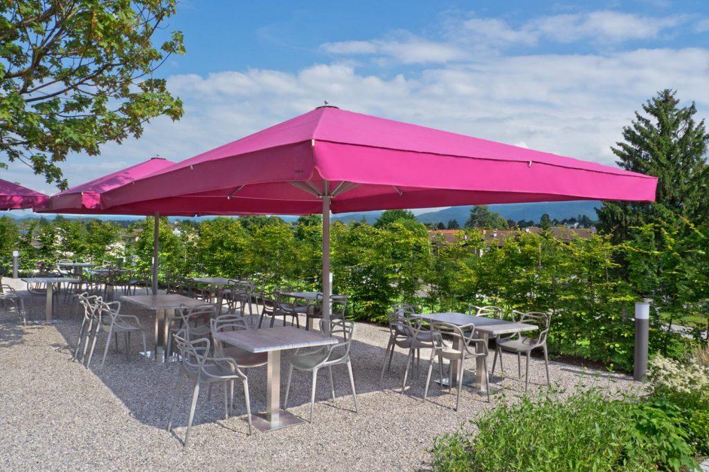 Big Ben Sonnenschirm Caravita Pink Rechteckig Restaurant Murnauer Murnau Deutschland 02 1 1024x683