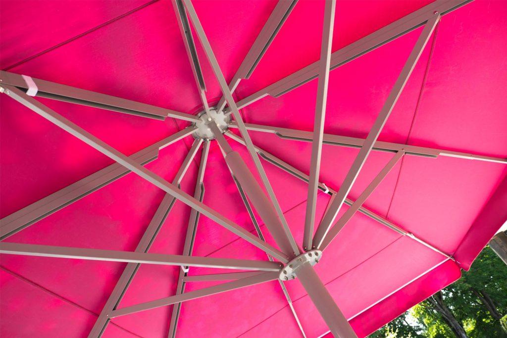 Big Ben Sonnenschirm Caravita Pink Rechteckig Restaurant Murnauer Murnau Deutschland 03 1 1024x683