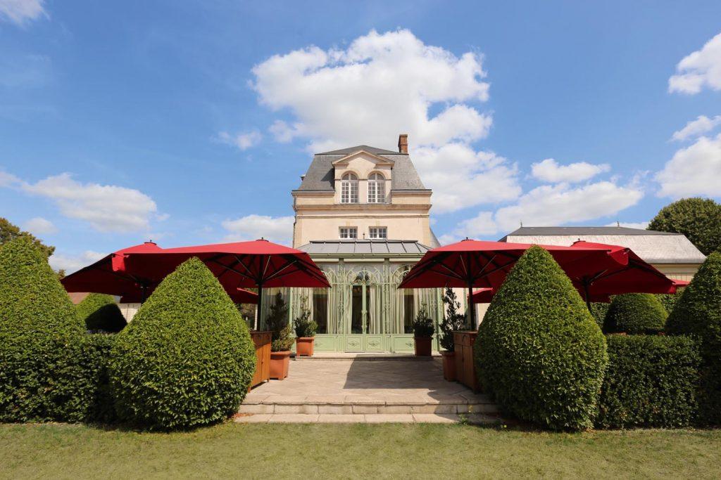 Caravita Sonnenschirm Big Ben Freestyle Schloss Chateau De Courcelles Frankreich 04 1024x683