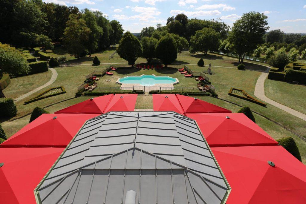 Caravita Sonnenschirm Big Ben Freestyle Schloss Chateau De Courcelles Frankreich 05 1024x683