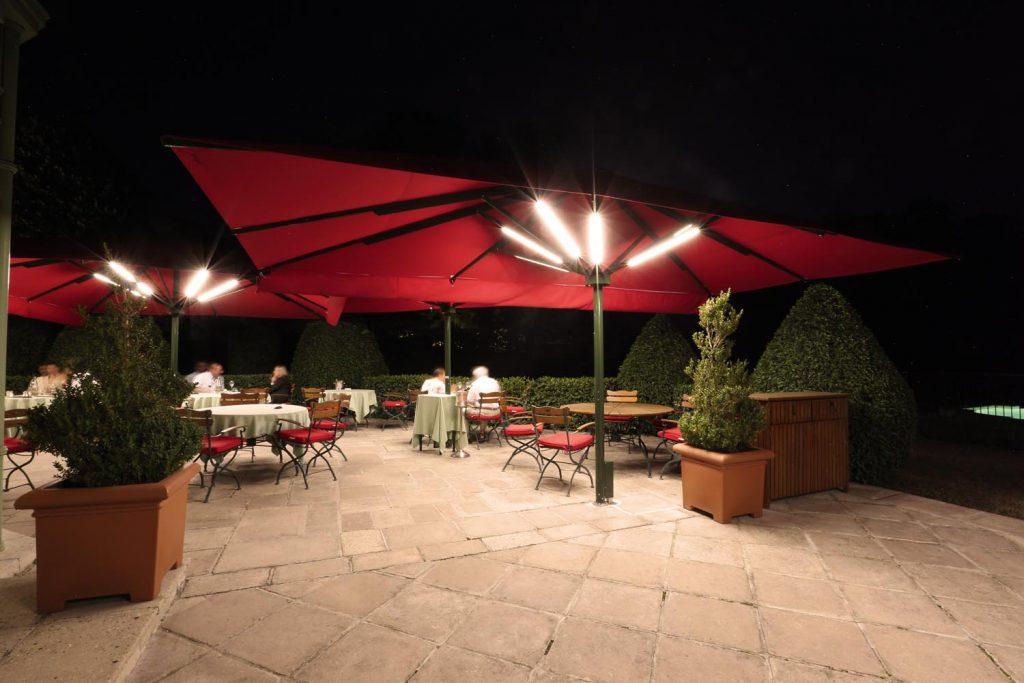 Caravita Sonnenschirm Big Ben Freestyle Schloss Chateau De Courcelles Frankreich 07 1024x683